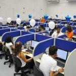 AZUL CONTRATA ATENDENTE DE CALL CENTER remuneração R$ 2.865,00 requisito Nível médio.